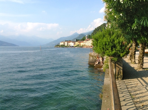 The final stroll beside Lake Como as you reach Bellagio
